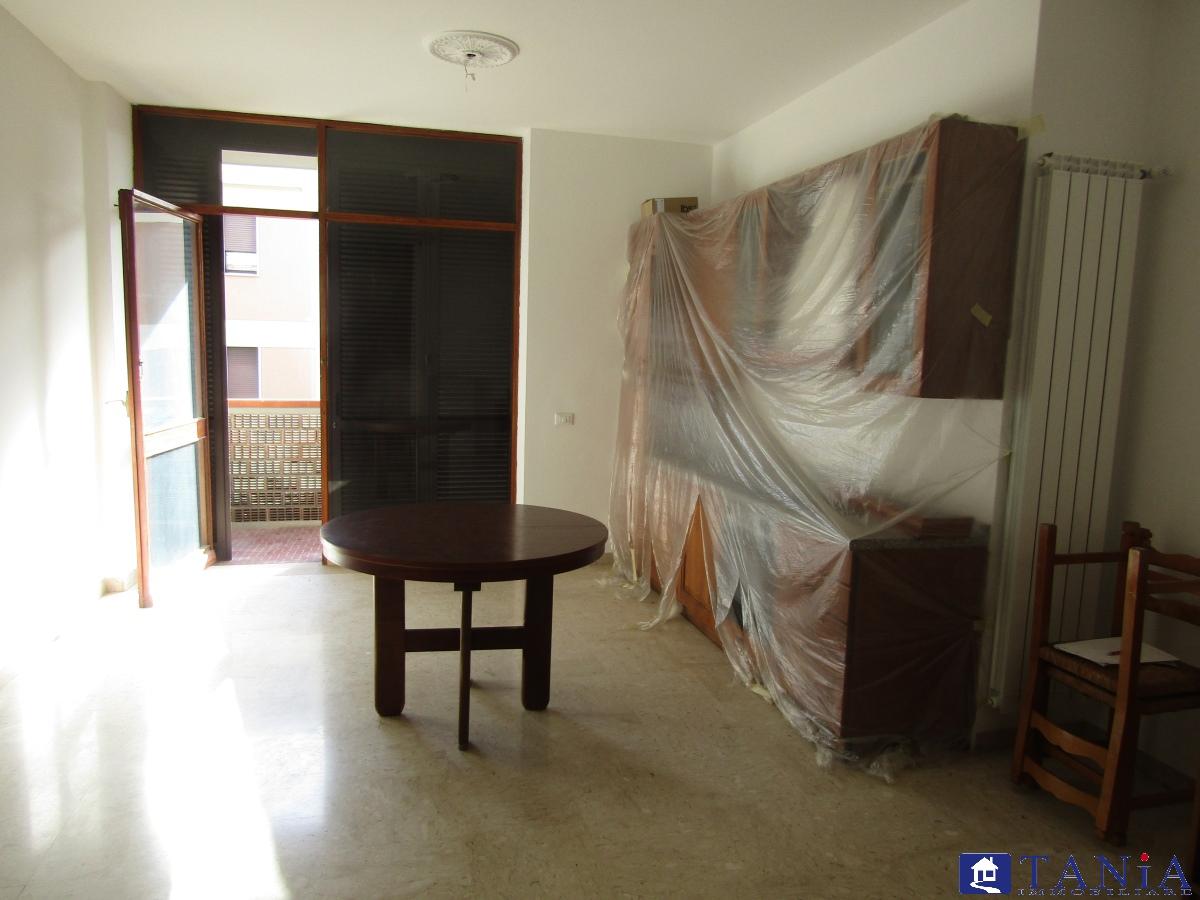 Appartamento vendita CARRARA (MS) - 4 LOCALI - 70 MQ